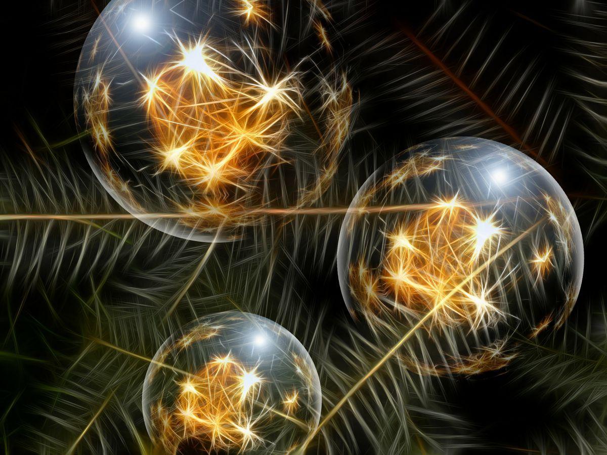 christmas-ornament-2073341920